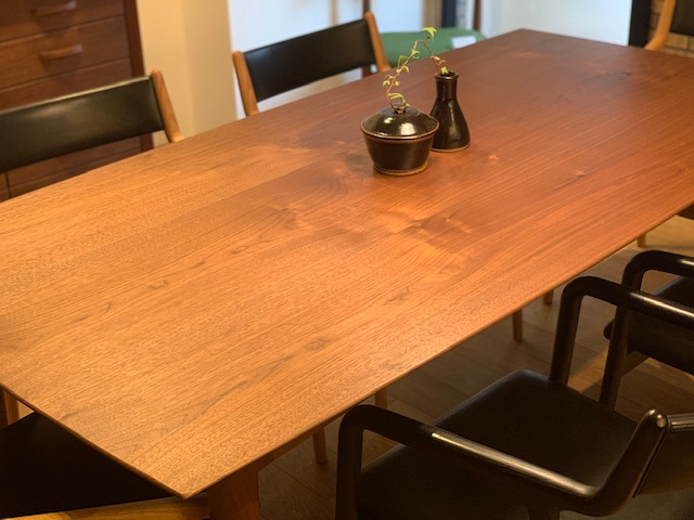 HITOKEI  Dining Table 1500-1800