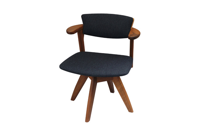 INOUE Associates  Awaza chair  回転椅子